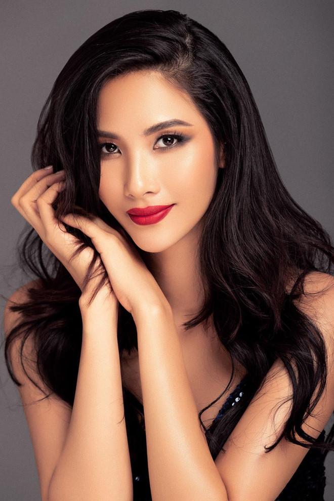 Hoàng Thùy - người mẫu nữ nổi tiếng
