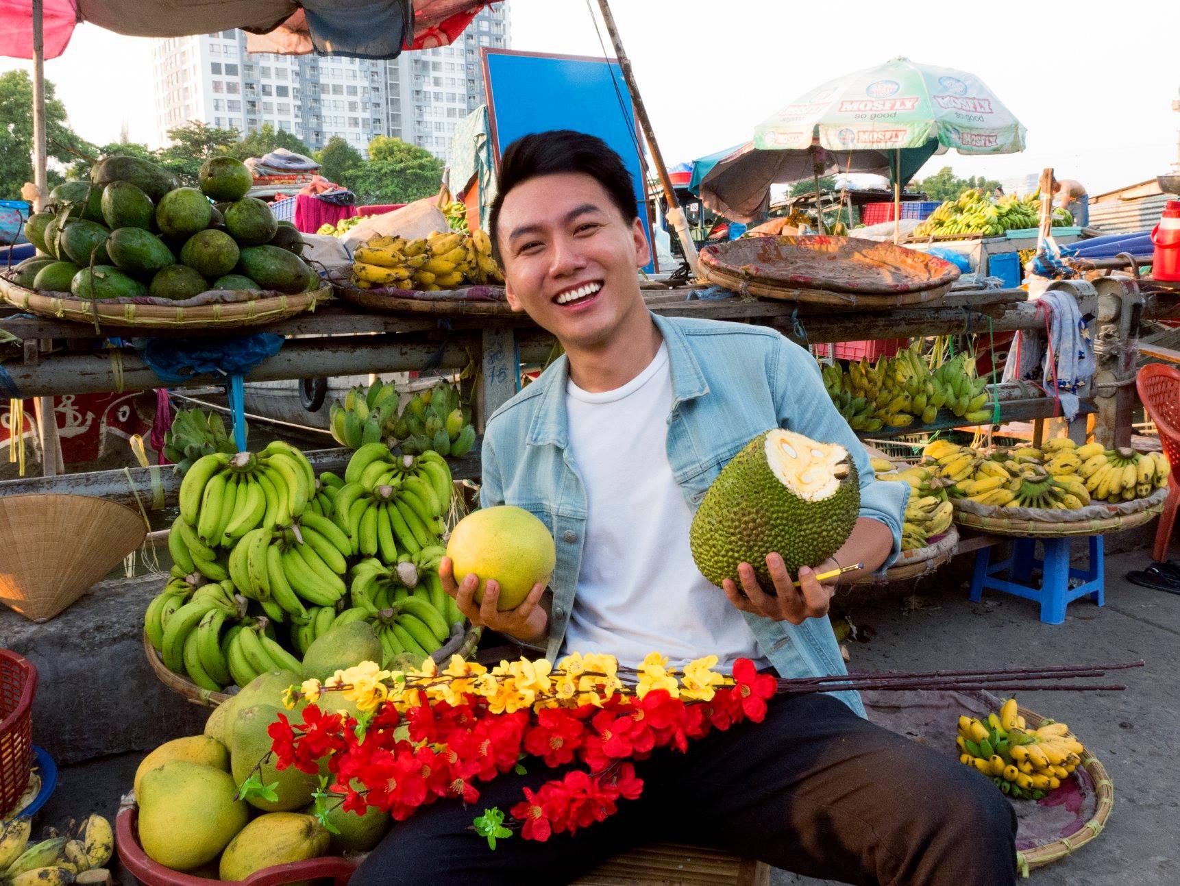 Khoai lang thang - Food blogger nổi tiếng tại Việt Nam